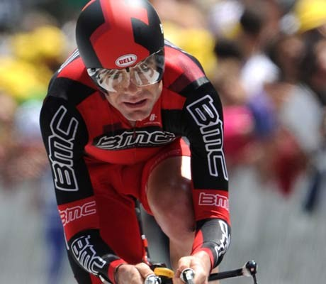 Cadel Evans, wife adopt Ethiopian child