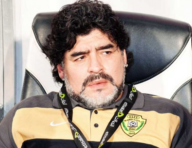 Maradona takes another swipe at Pele