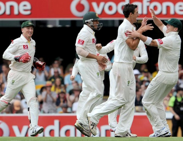 Starc celebrates test debut with 2 wickets