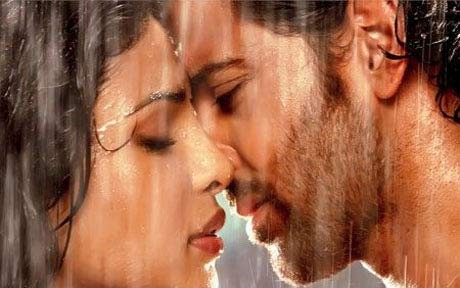 Hrithik, Priyanka get wet and naughty