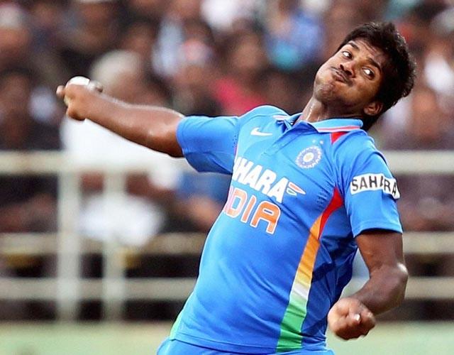 Varun Aaron (Cricket)