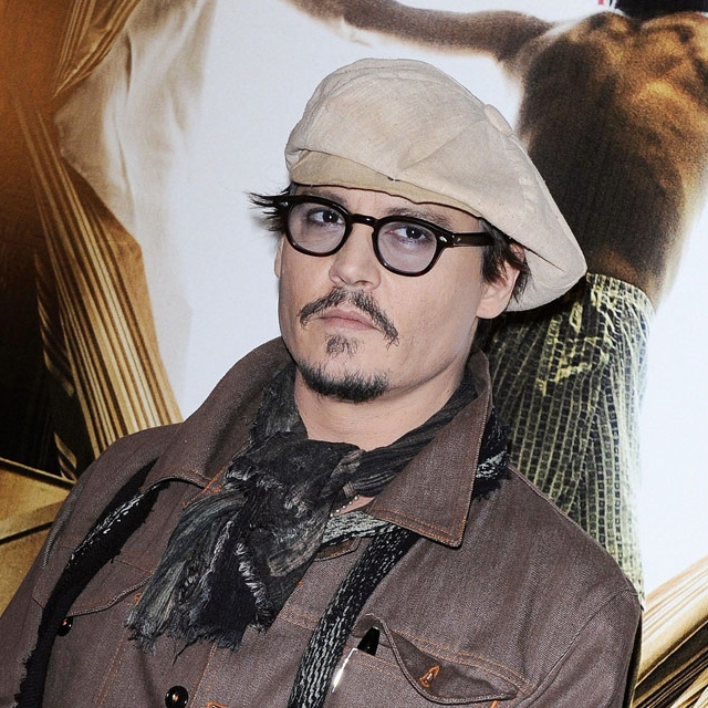 Why Depp prefers private planes?