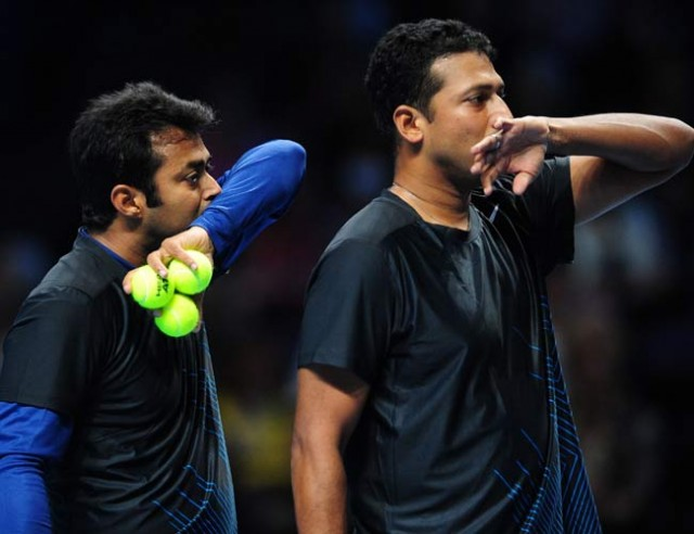 Paes-Bhupathi beat Bryan twins, enter semis at Tour finals