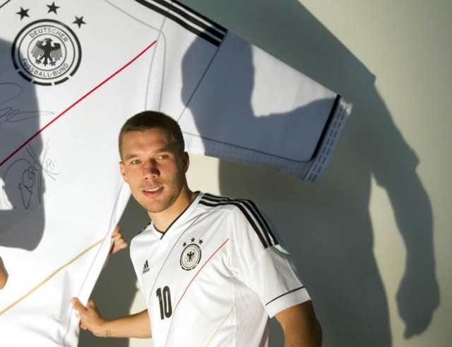 German forward Podolski escapes unharmed after car crash