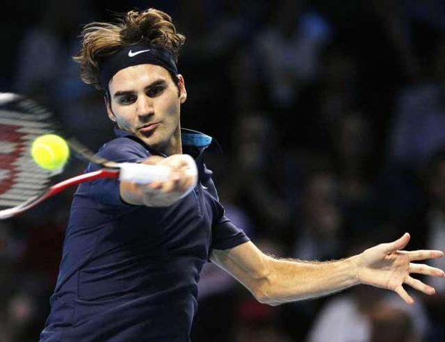 Sublime Federer thrashes Nadal in London