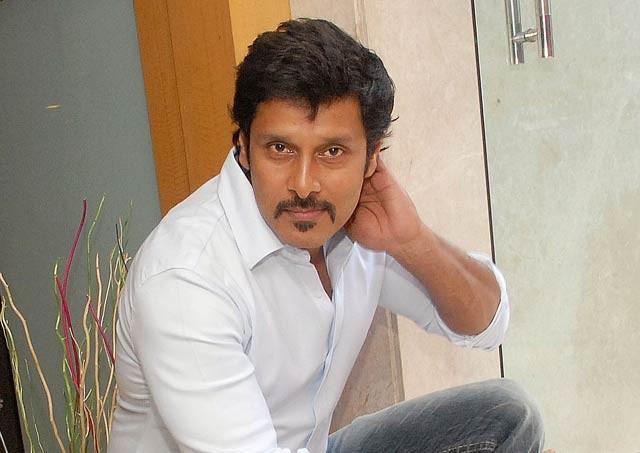 Vikram turns to masala film
