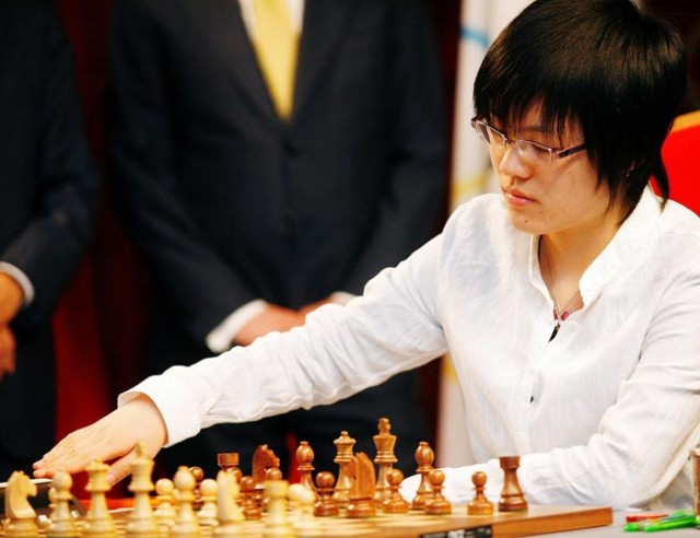 Humpy draws; Yifan is world champion again