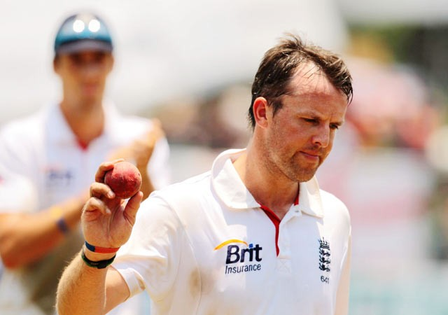 Ten-wicket Swann fires England to big win