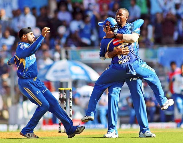 Mumbai Indians restrict Pune to 129