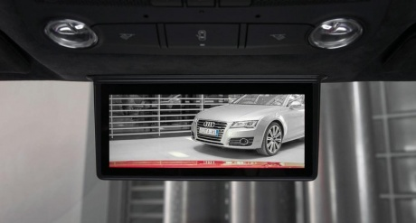 Mobile-inspired camera as rear-view mirror in Audi