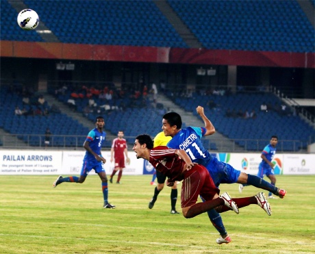 Football fans give Nehru Cup a miss