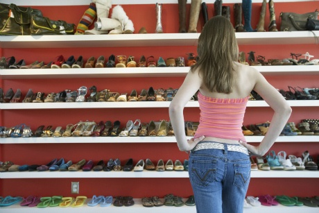 US woman has collection of 16,400 shoes
