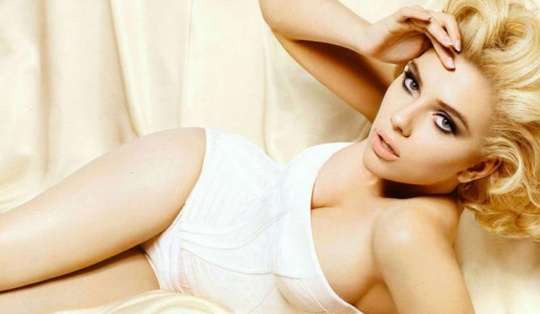 ScarJo Flaunts 36C Boobs in New Photoshoot