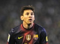 Lionel Messi agrees to new contract