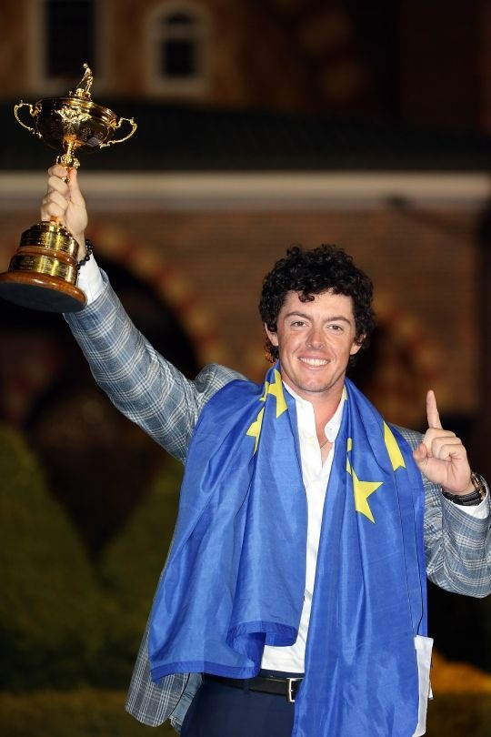 Rory McIlroy Wins Player of the Year Award