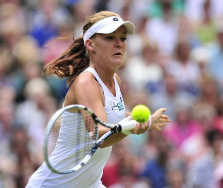 Radwanska sees off Kerber to reach final