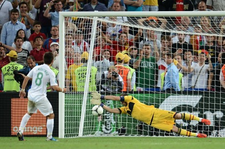 Spain beat Portugal to reach Euro final