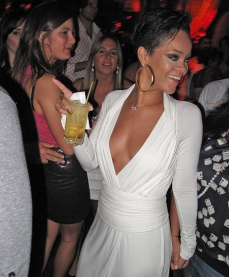 rihanna in party