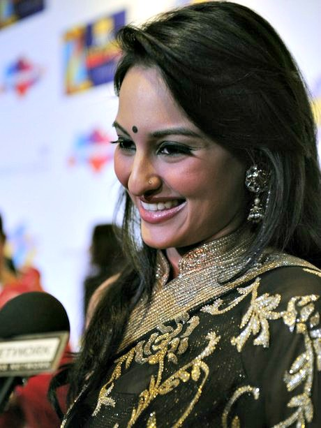 Sonakshi Old Pictures