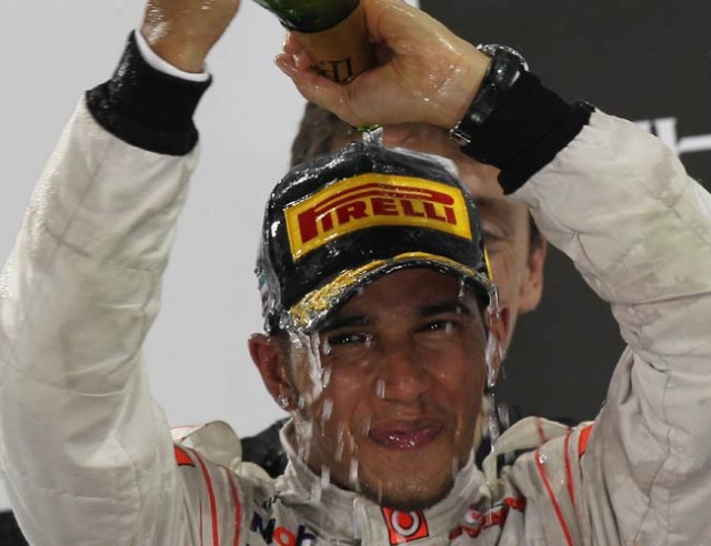 Hamilton takes pole for F1 Australian GP