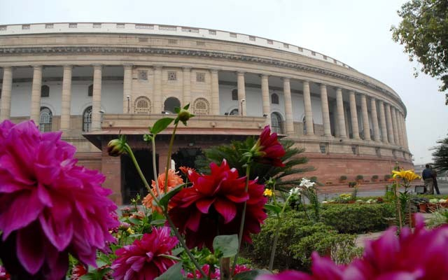 Parliament mesmerises N-E students