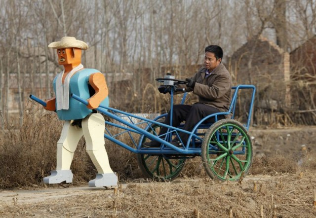Robot-operated rickshaw