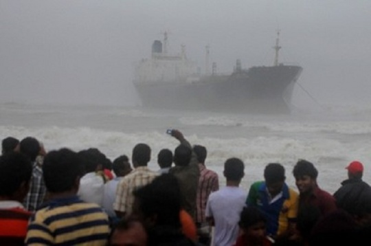 Cyclone Nilam Hits Tamil Nadu and Andhra Pradesh, Claims 4 Lives