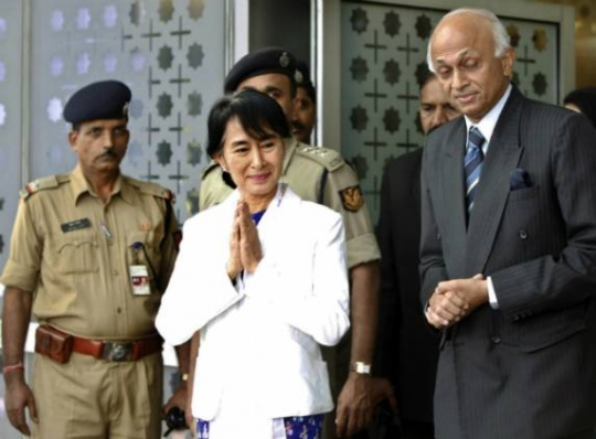Suu Kyi in India, to meet PM