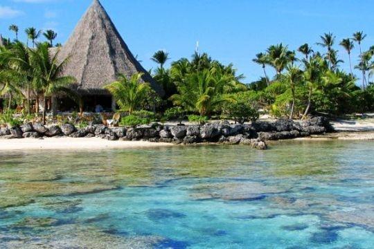 Private-island chilling