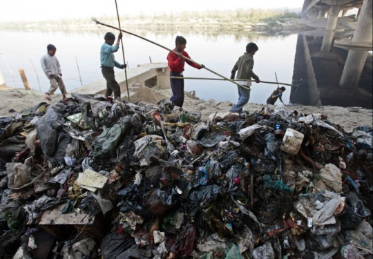 Is this a Rs12000 Crore Yamuna Cleanup Scam?