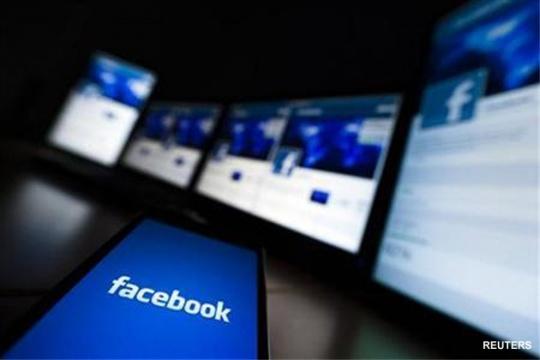Facebook Mobile Gains Spur Revenue Growth