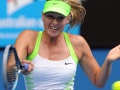Maria Sharapova breezes into last 16 in Beijing