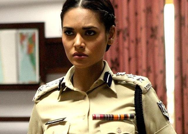 Esha Gupta – Chakravyuh