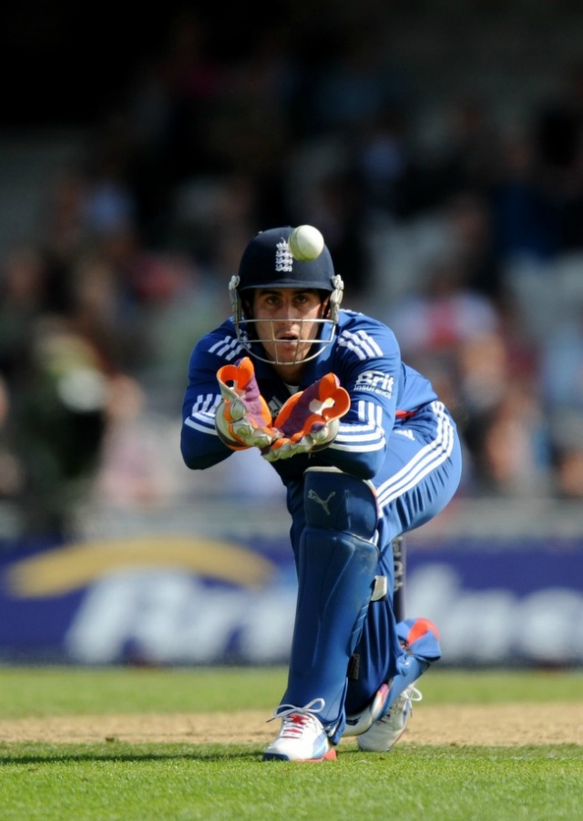 'England can defend T20 title'