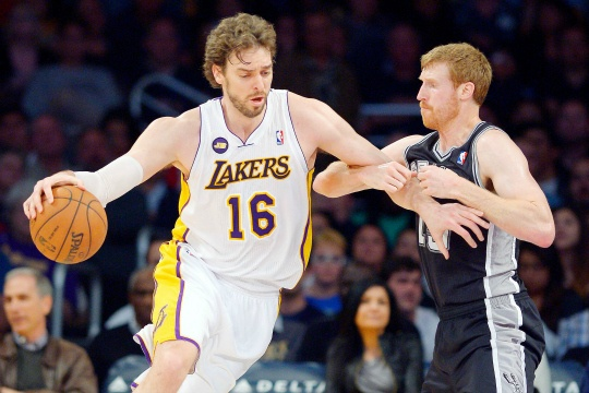 LA Lakers Stun San Antonio 91-86