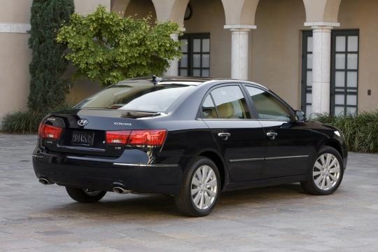 Midsize Car: 2010 Hyundai Sonata