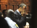 'Blade Runner' Pistorius Sobs in Court