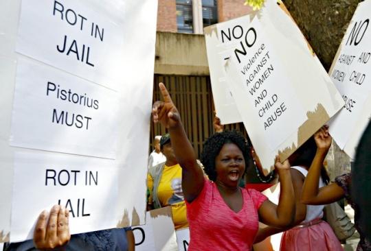 Police Goofs Up on Oscar Pistorius case