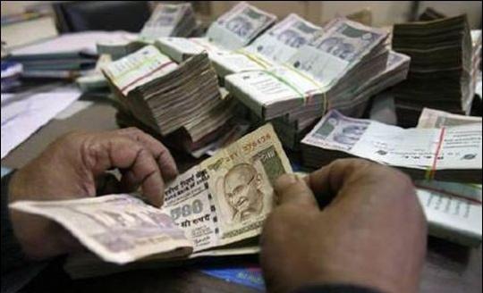 India's Per Capita Income Rises to Rs 5,729