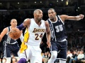 Kobe, Resurgent Lakers Silence Thunder