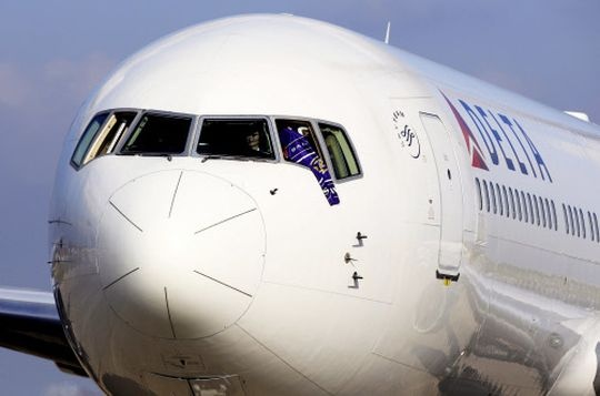 race 2 plane