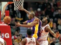 Slumping Lakers Blown Away by Bulls