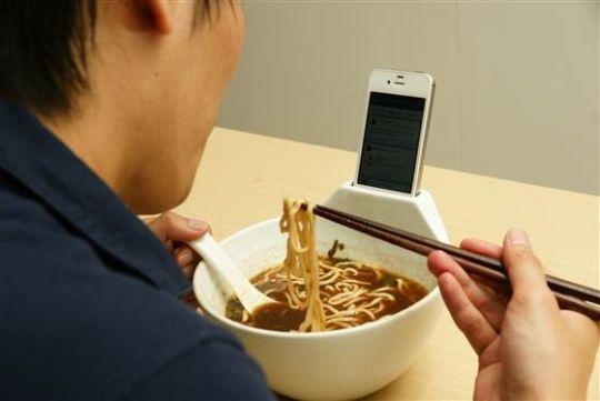 soupy iphone holder