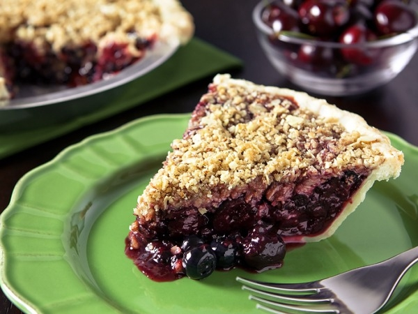 Healthy Dessert Recipe: Cherry-Berry Crumble Pie