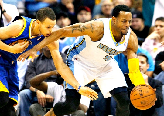 Nuggets Dunk Warriors to Trim Deficit