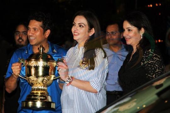 nita ambani hosts ipl victory party for mumbai indians