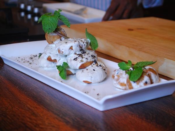 Navratri Recipe: Aloo Singhade Ke Dahi Vade