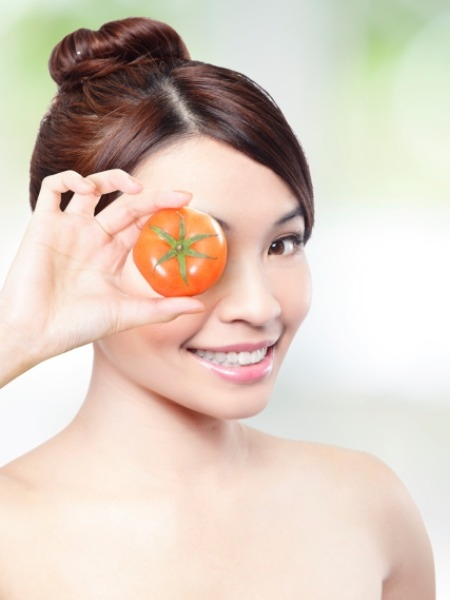 Skincare Tips: Stop The Signs Of Ageing With This Tomato Pack