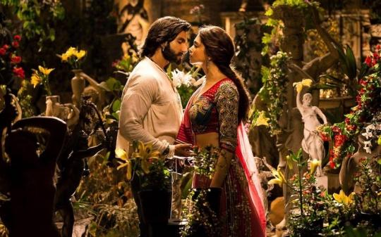Ranveer Singh and Deepika Padukone in Goliyon Ki Raasleela Ram-Leela