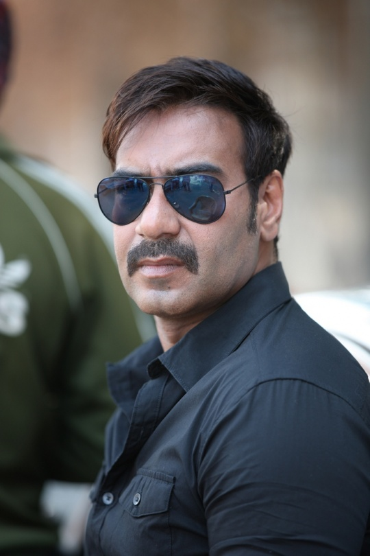 Ajay Devgn Turns Vanity Van Into Gym Indiatimes Com